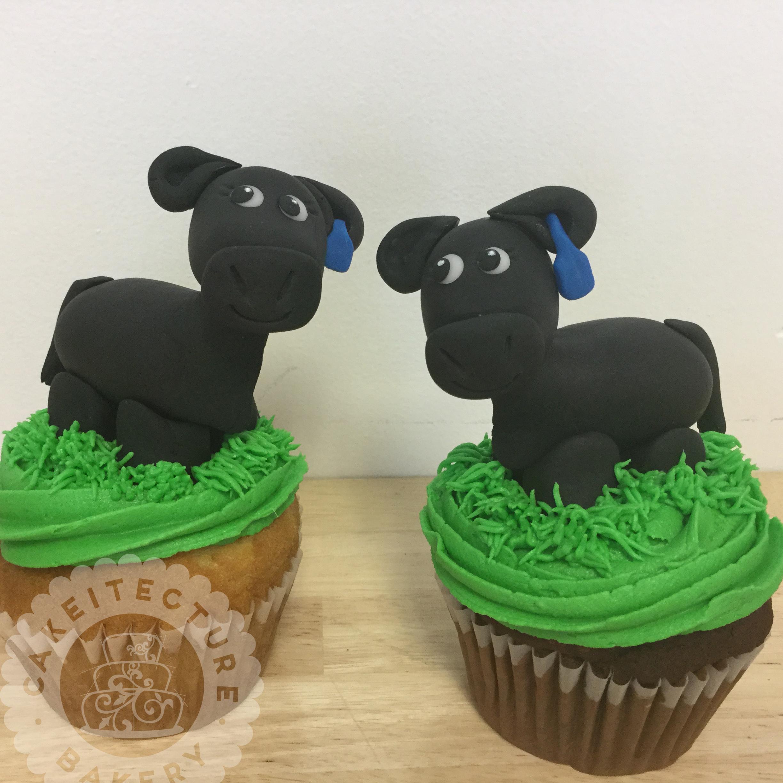 Cakeitecture Bakery 1705 sheep cupcakes.jpg