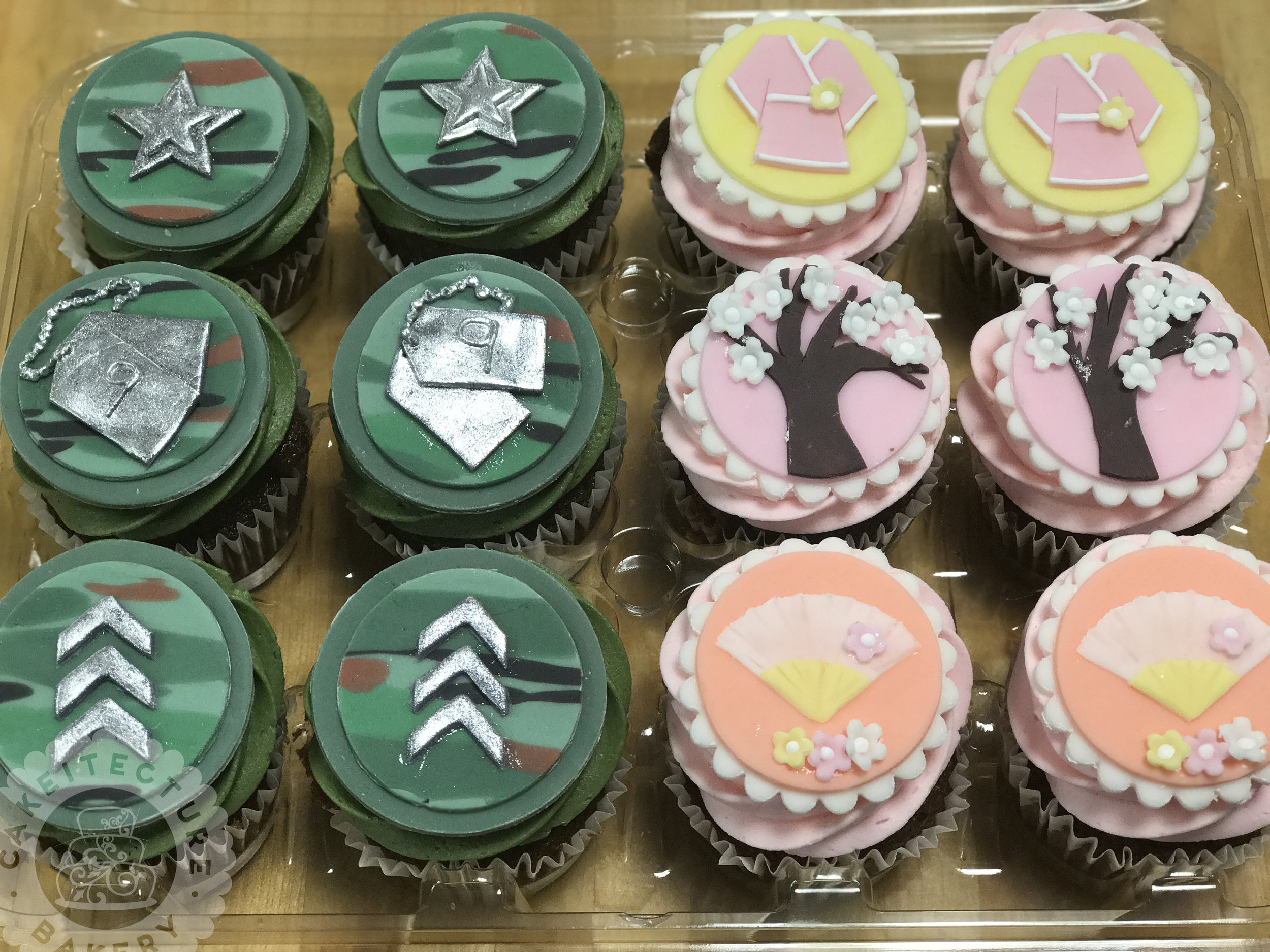 Cakeitecture Bakery 1710 his and hers cupcakes.jpg