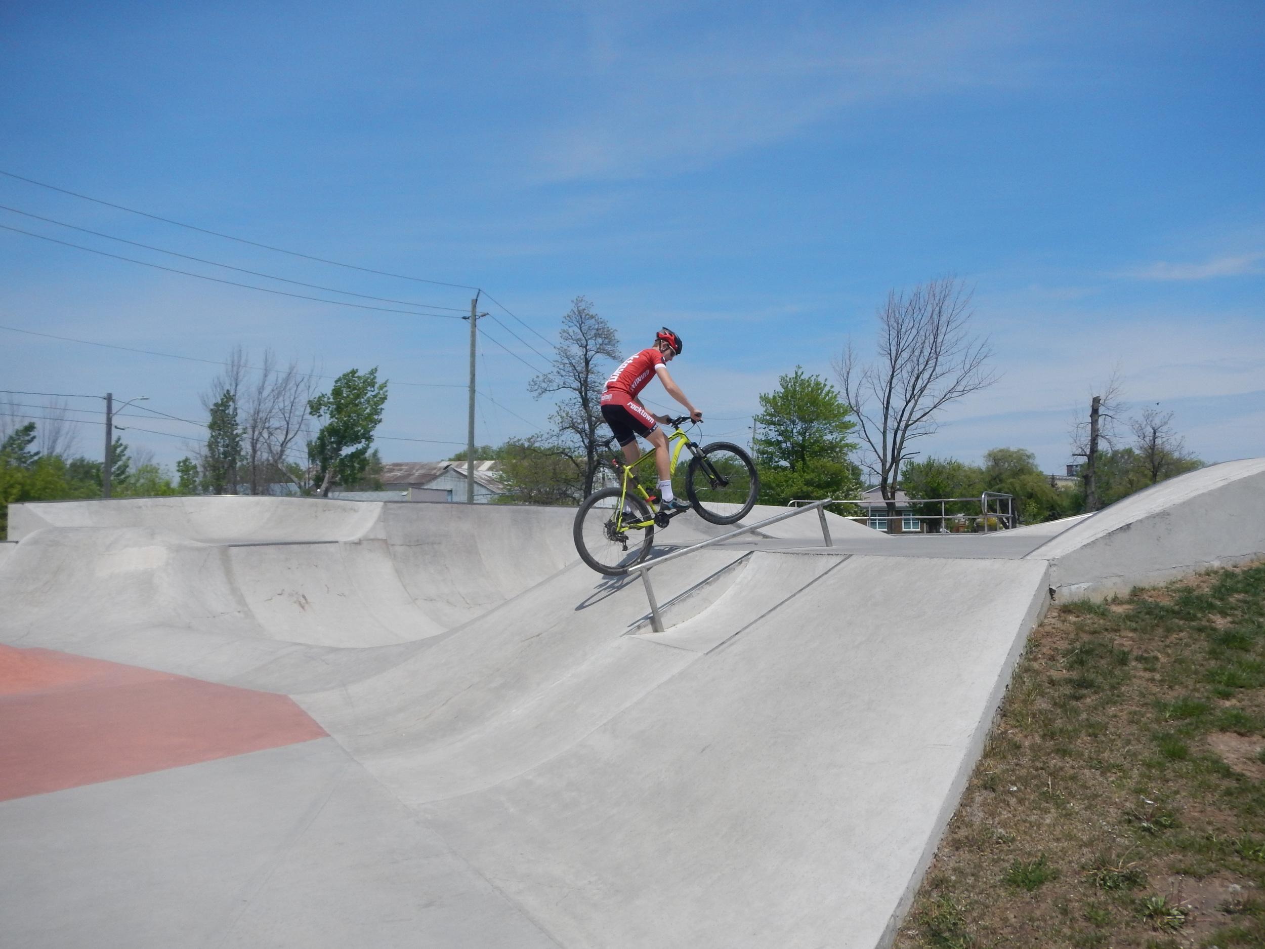 We found a skate park!