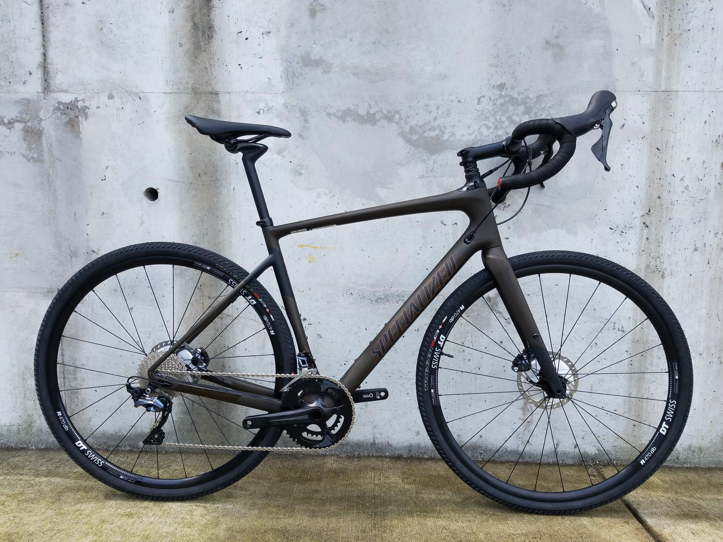 Bike pictured size: 56cm