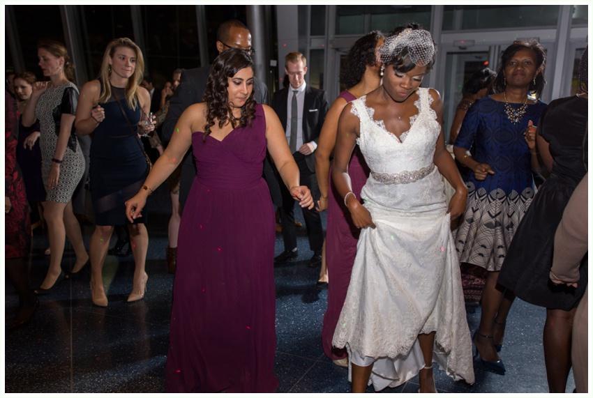 27_urbanrowphoto_bride_dancing