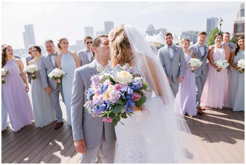 large-bridal-party-baltimore-wedding-photographer-urban-row-photo_0023.jpg