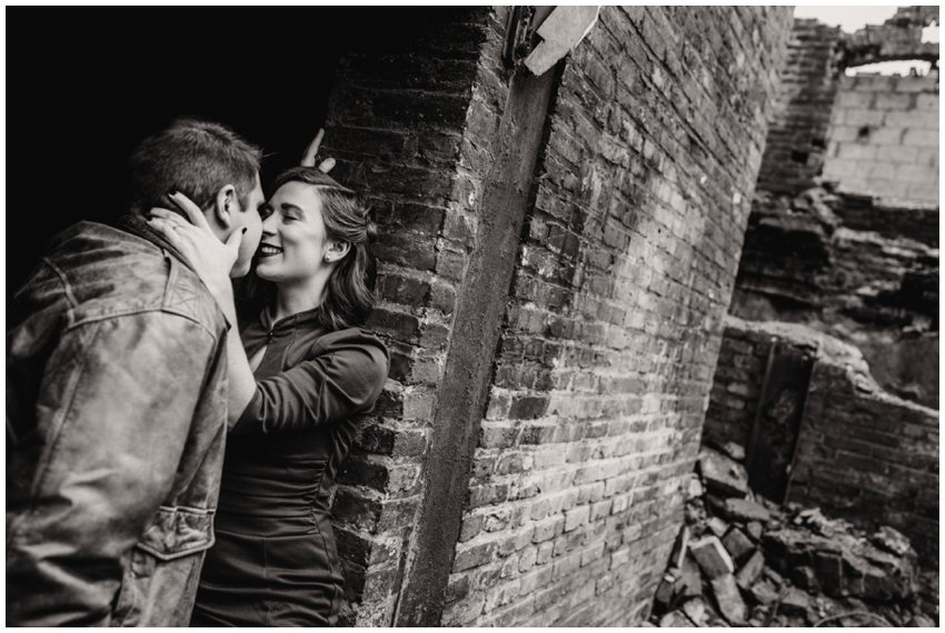 urban-row-photo-industrial-engagement-session_0011.jpg