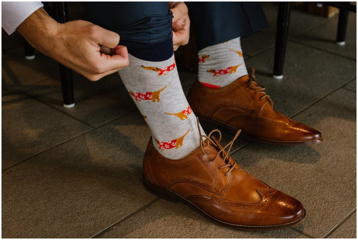 urban-row-photo-groom-wedding-socks-fox_0005.jpg