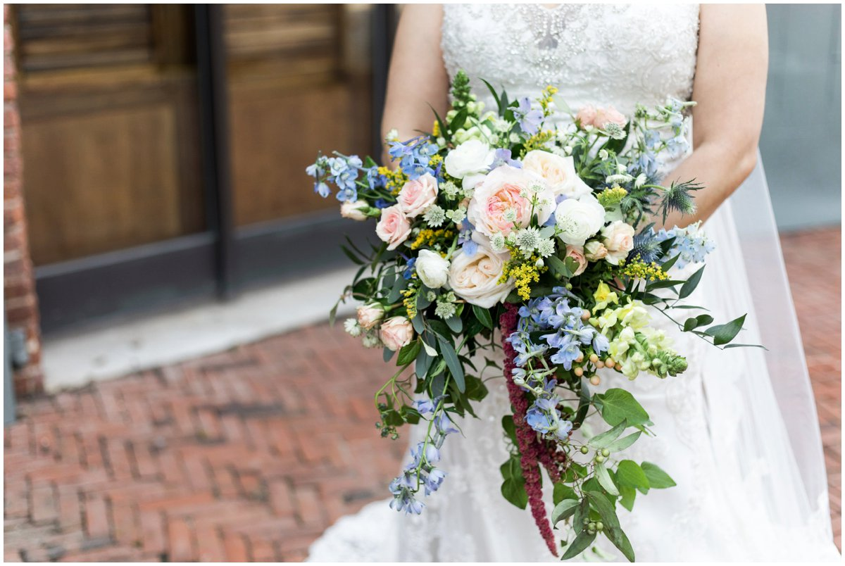urban-row-photo-floral-impressions-hendersons-wharf-wedding_0004.jpg