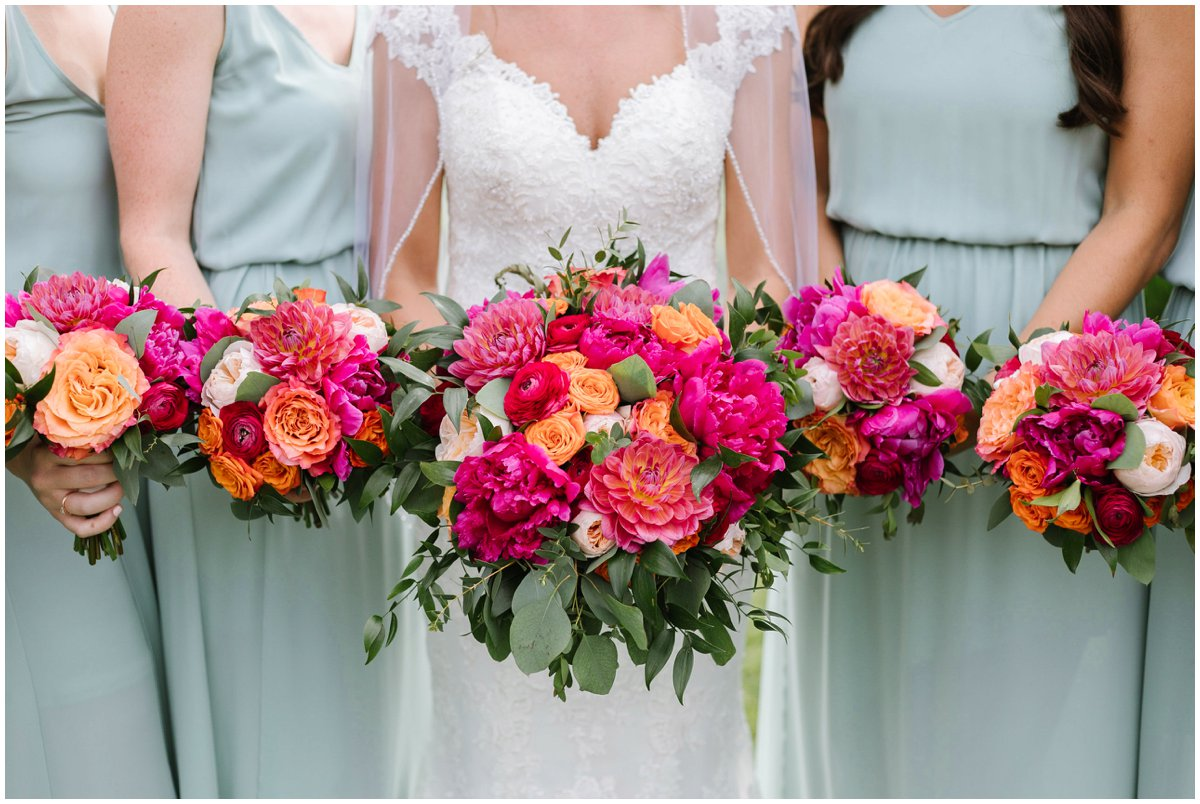 urban-row-photo-bright-colorful-wedding-bouquet_0016.jpg