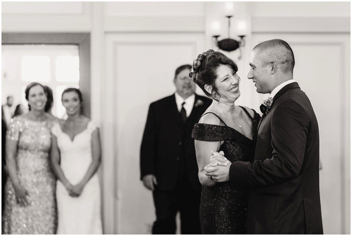 urban-row-photo-mother-son-dance-wedding_0022.jpg