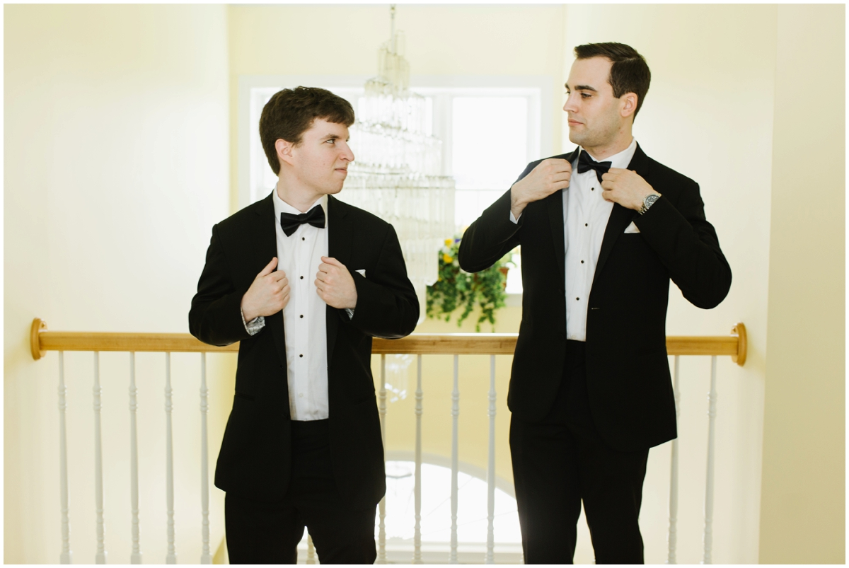 urban-row-photo-groomsmen-getting-ready_0004.jpg