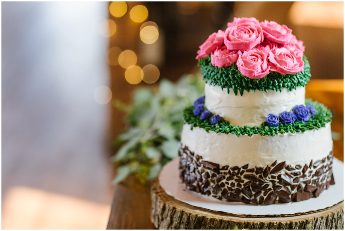 urban-row-photo-wyndridge-farm-wedding-cake_0020.jpg