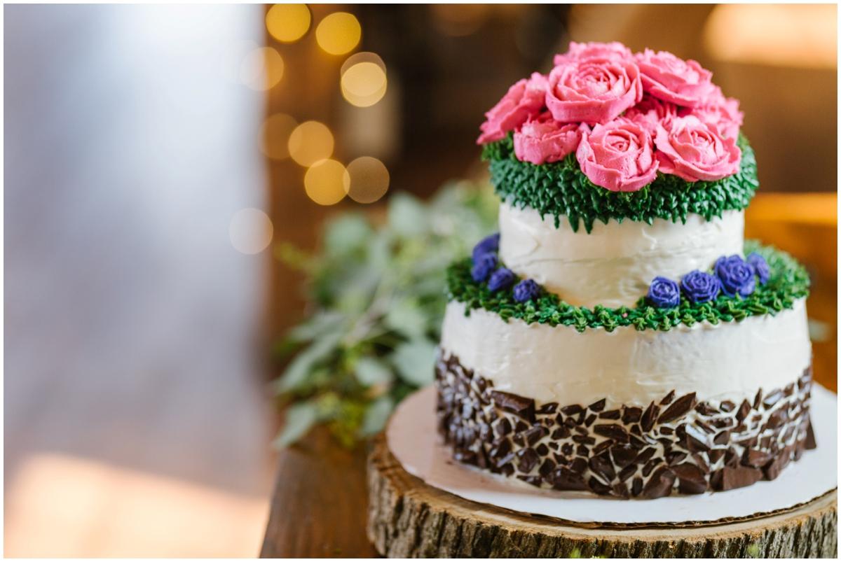 urban-row-photo-wyndridge-farm-wedding-cake_0020.jpg