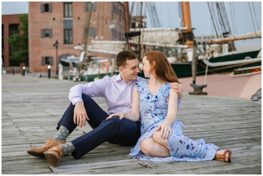 urban-row-photo-engagement-session-fells-point_0032.jpg