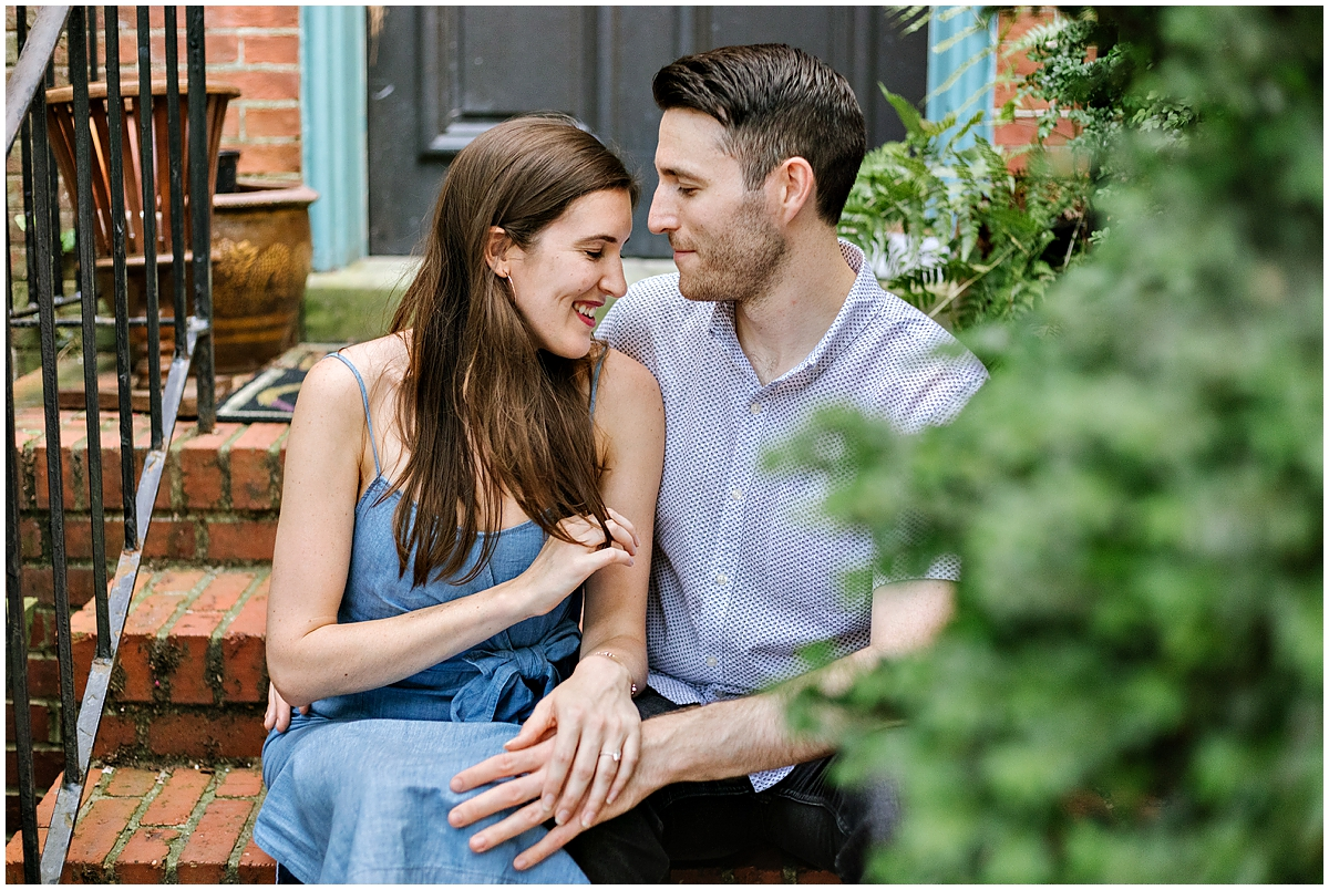 urban-row-photo-summer-engagement-session-annapolis_0011.jpg