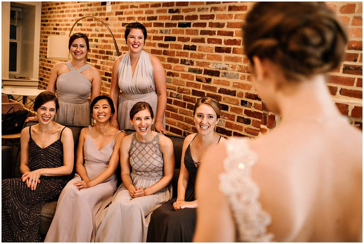 urban-row-photo-bride-bridesmaids-getting-ready_0007.jpg