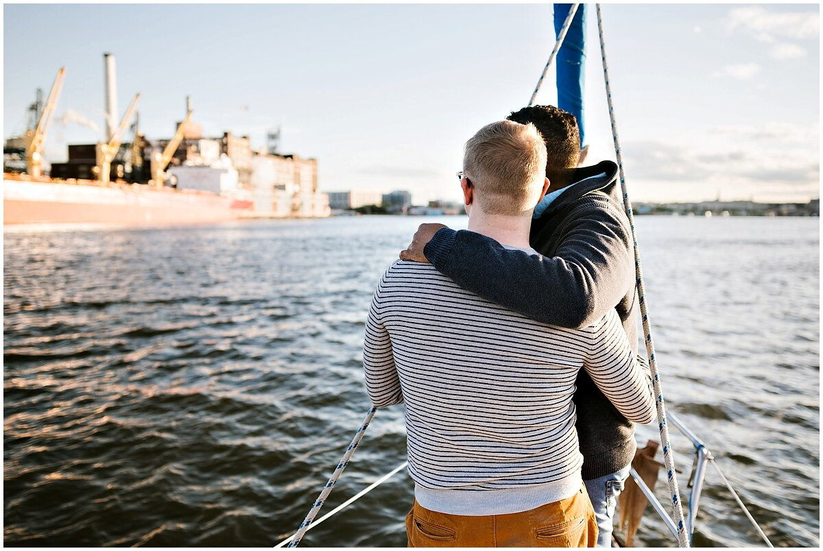 urban-row-photo-gay-couple-sailboat-engagement_0028.jpg
