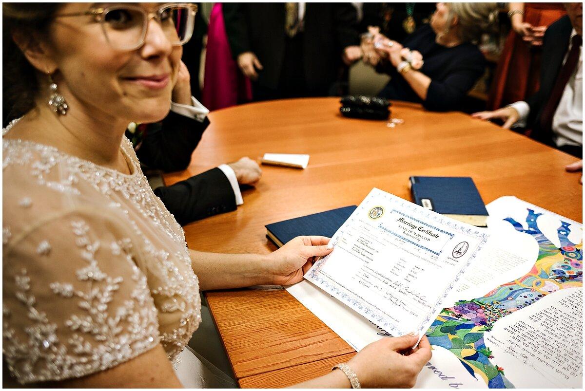 urban-row-photo-signing-marraige-certificate-jewish-wedding_0028.jpg