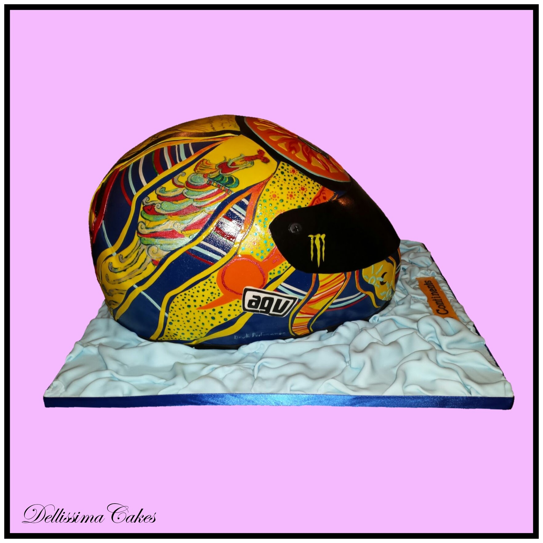 Valentino Rossi Helmet Cake 5-Continents 2.jpg