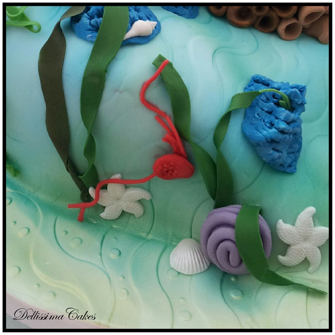 Some of the edible detail - shells, starfish, coral and seaweed.