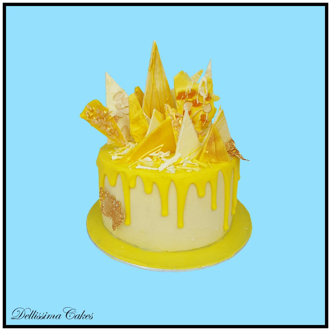 A tasty Lemon Drizzle cake
