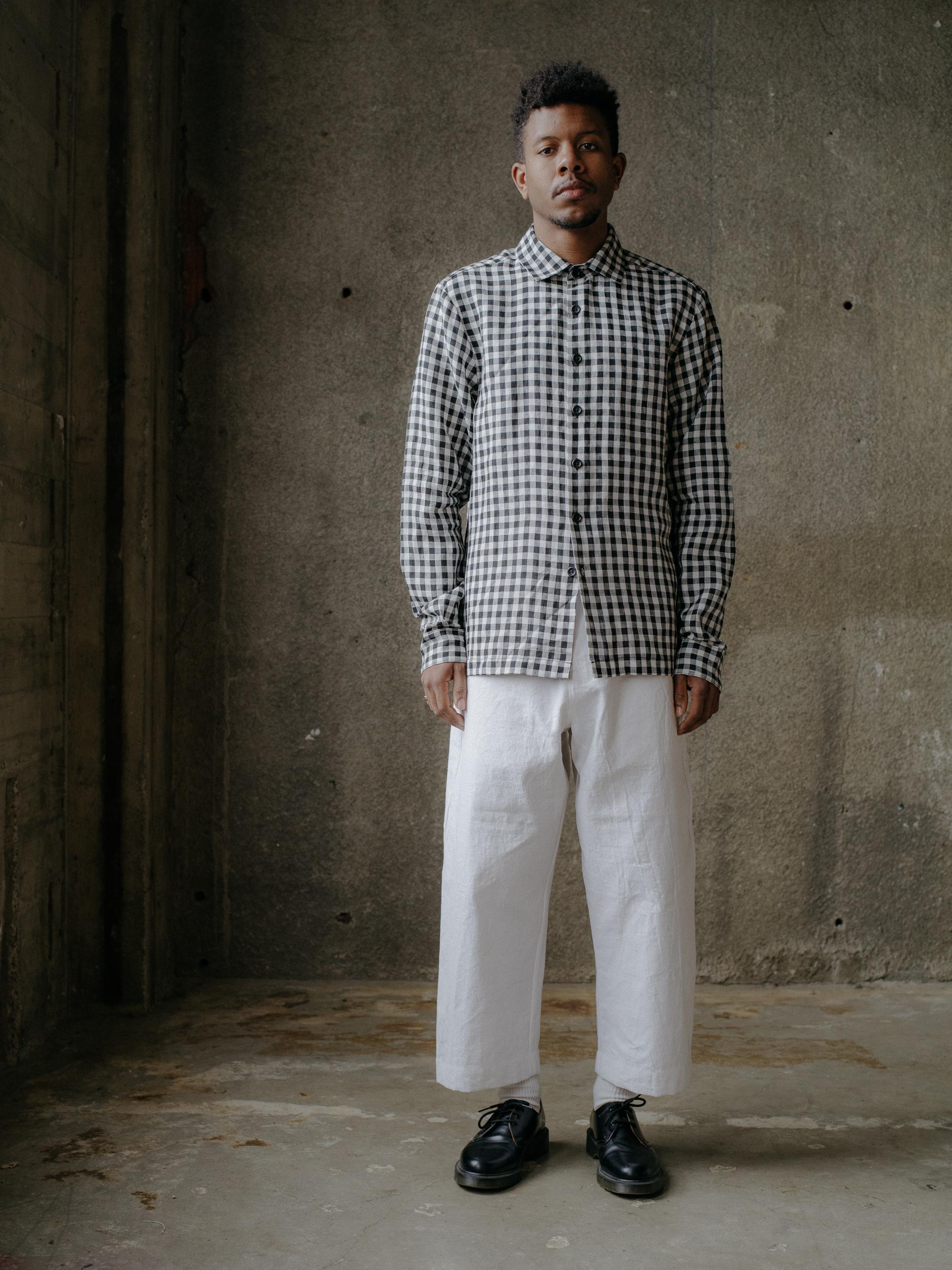 evan-kinori-flat-hem-shirt-gingham-linen-1