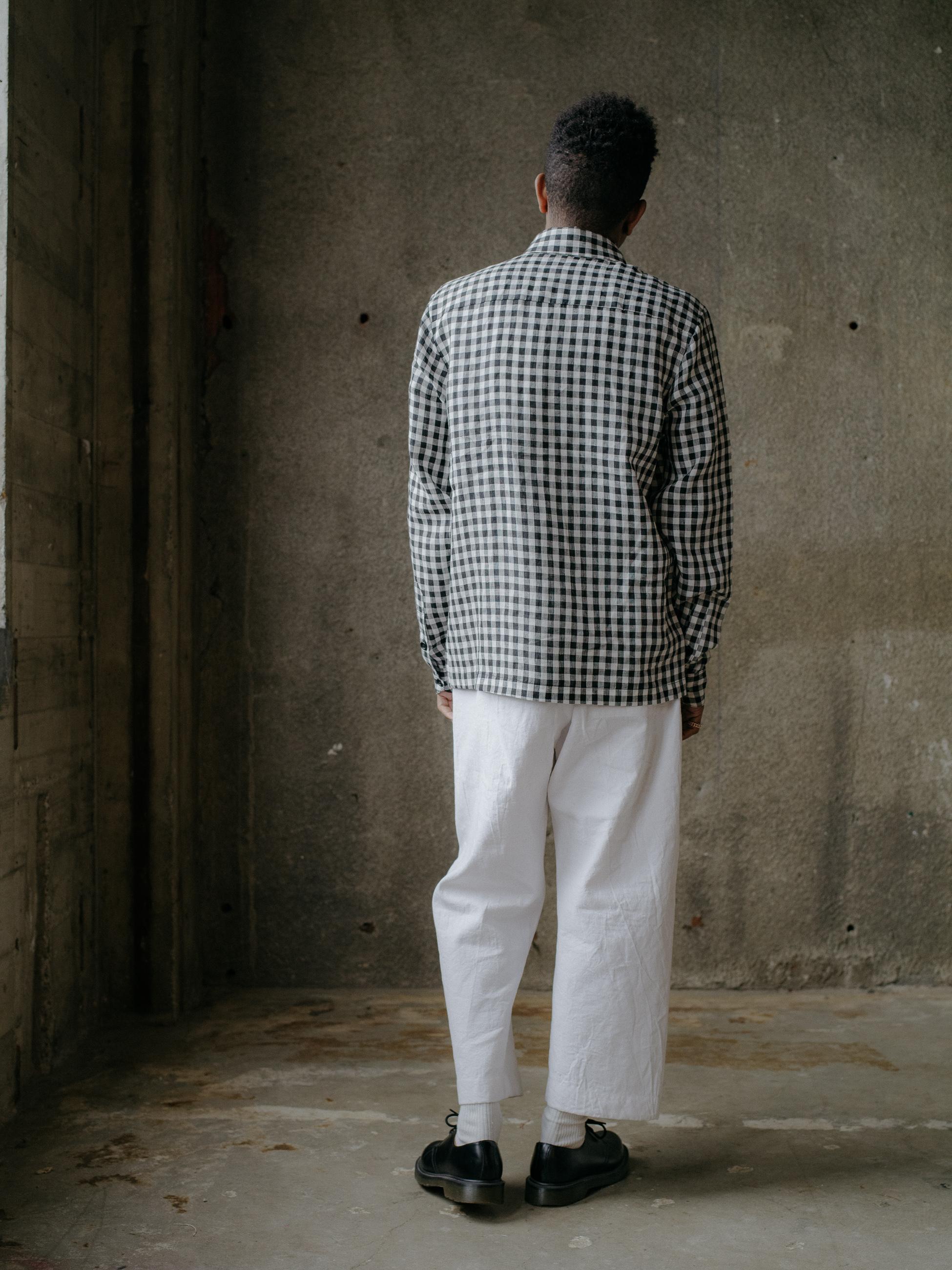 evan-kinori-flat-hem-shirt-gingham-linen-3