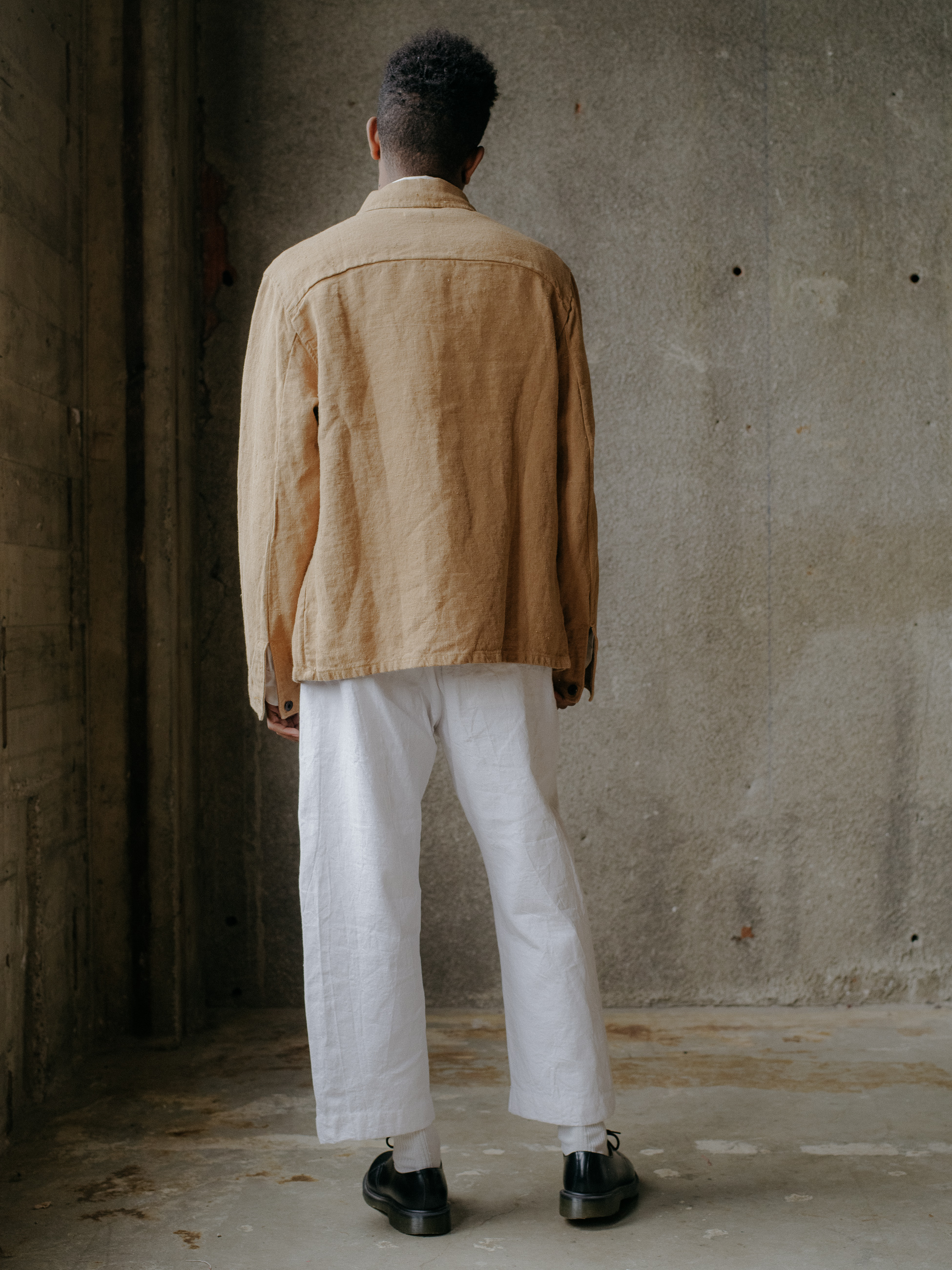 evan-kinori-three-pocket-jacket-butcher-linen-4