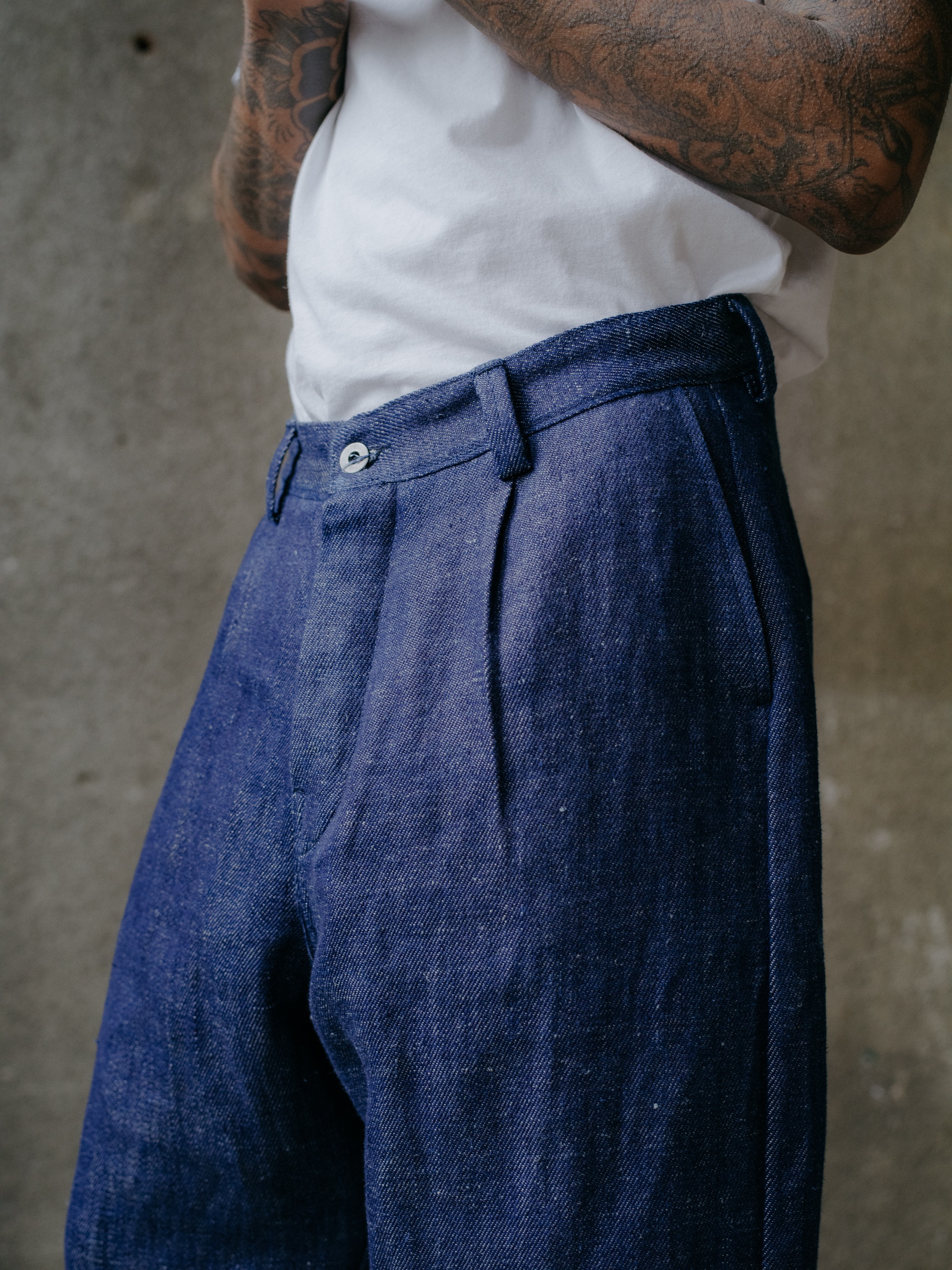 evan-kinori-single-pleat-pant-hemp-denim-6