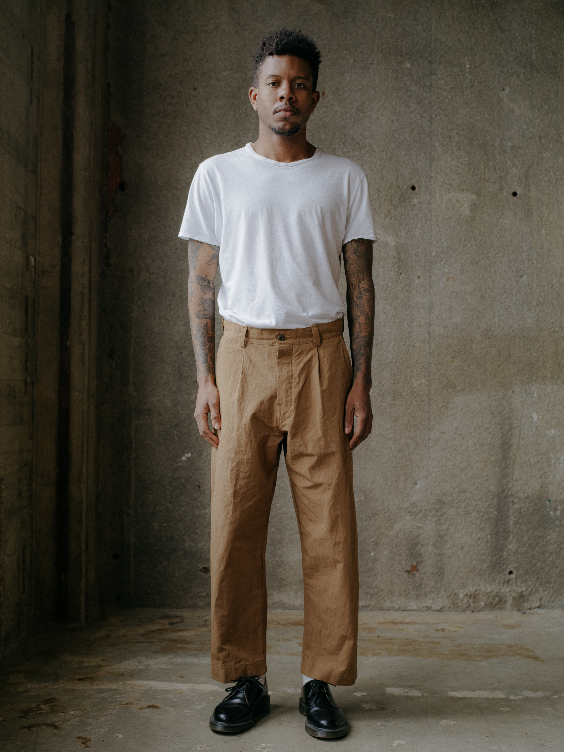 evan-kinori-single-pleat-pant-cotton-hemp-typewriter-1