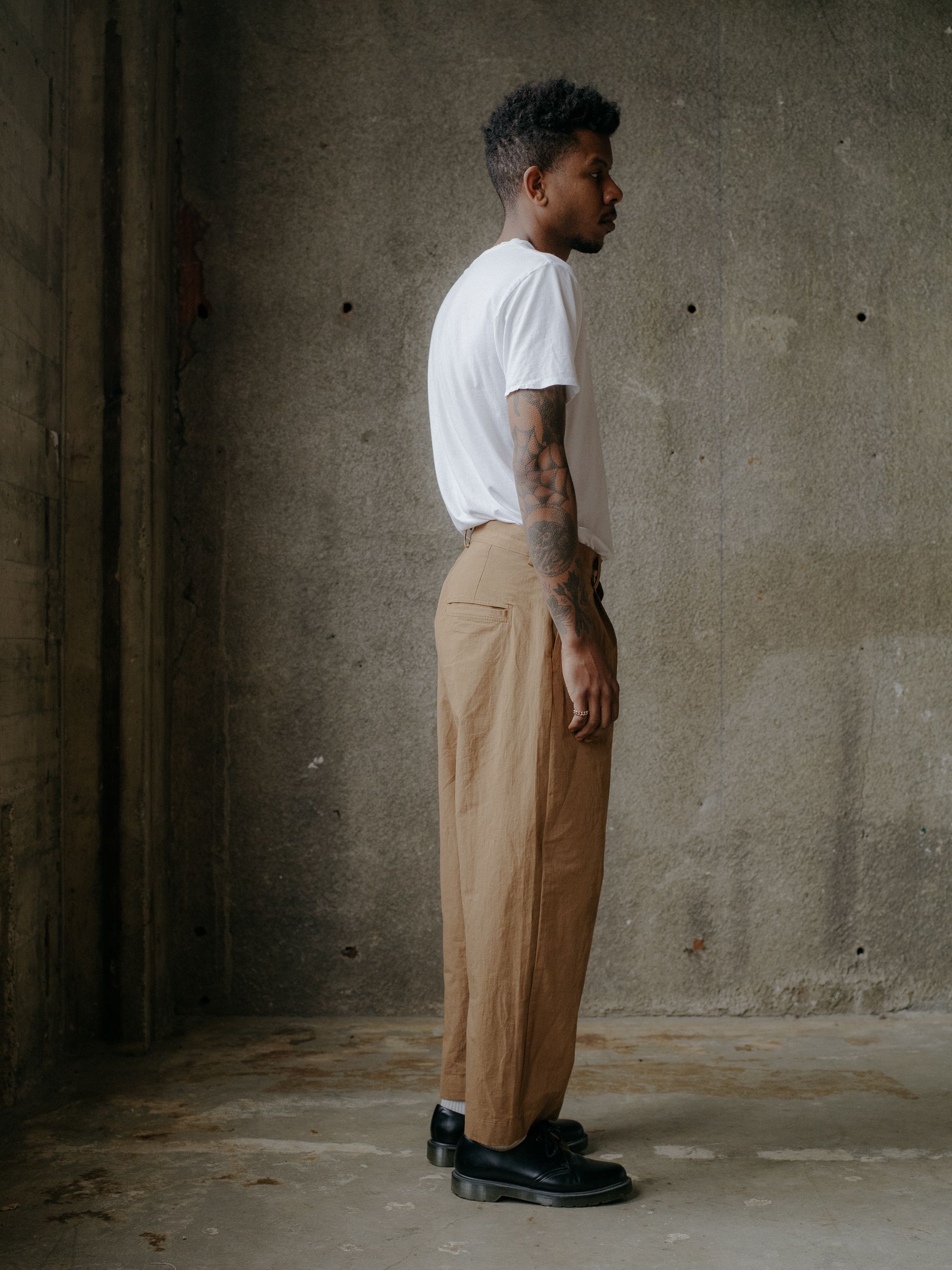 evan-kinori-single-pleat-pant-cotton-hemp-typewriter-5