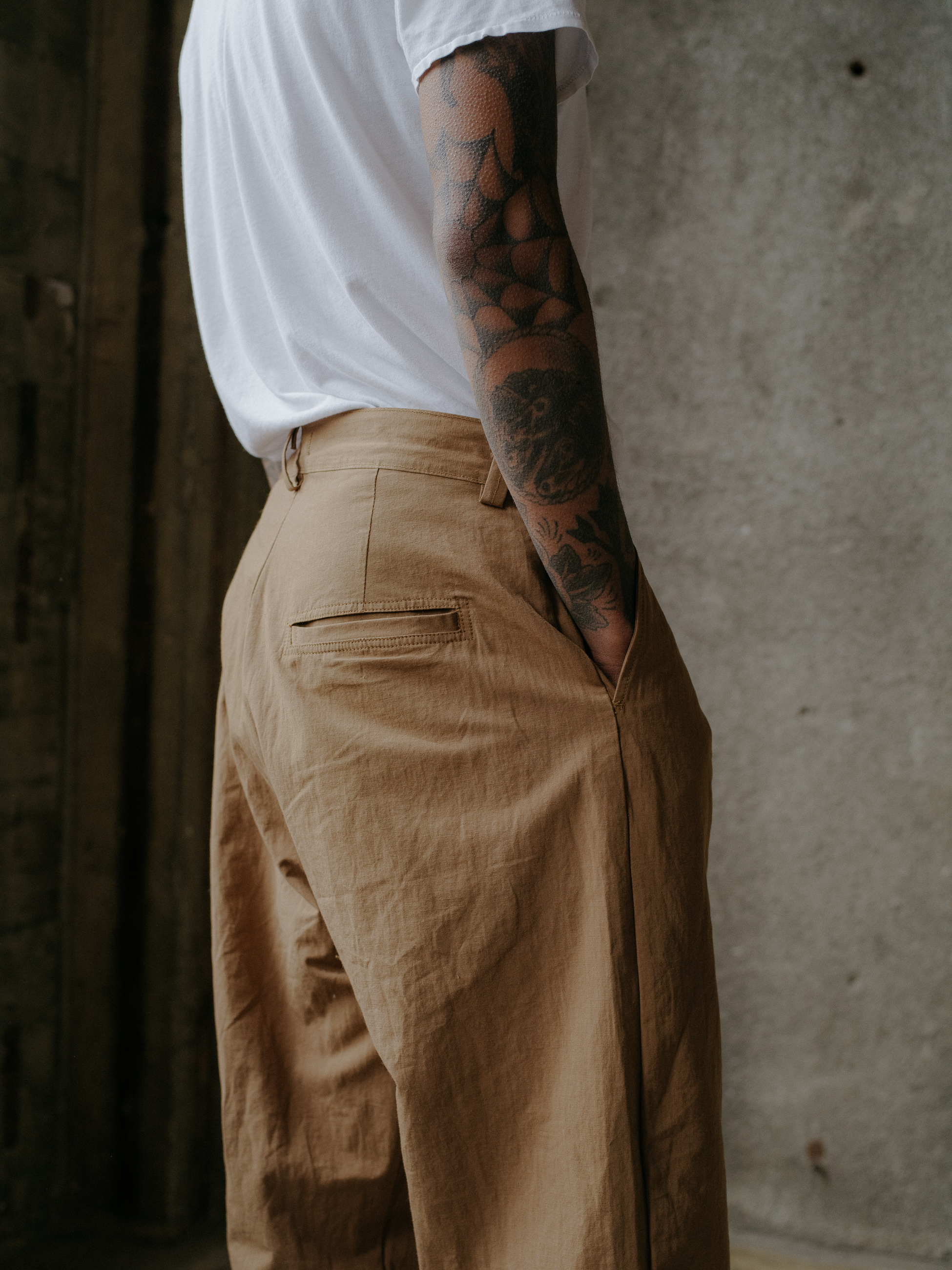 evan-kinori-single-pleat-pant-cotton-hemp-typewriter-8