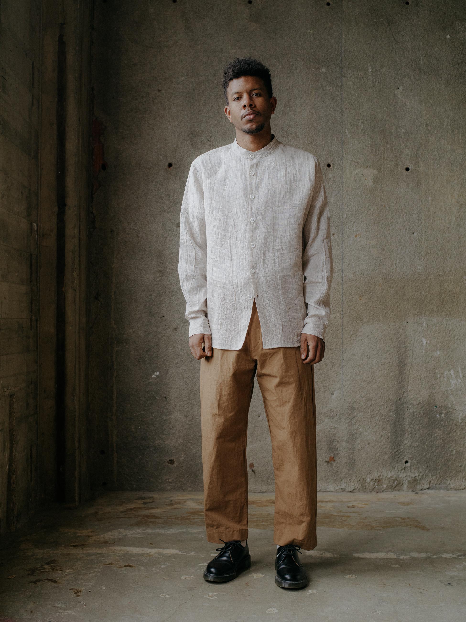 evan-kinori-band-collar-shirt-linen-1