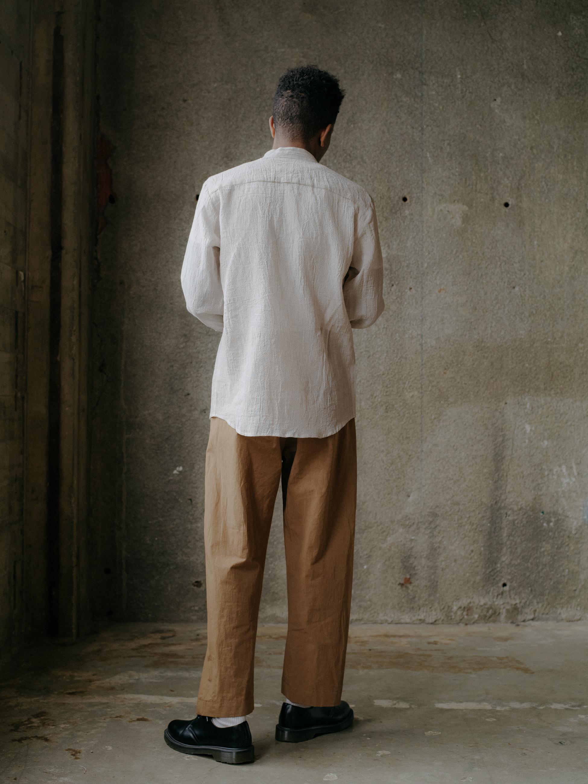 evan-kinori-band-collar-shirt-linen-3