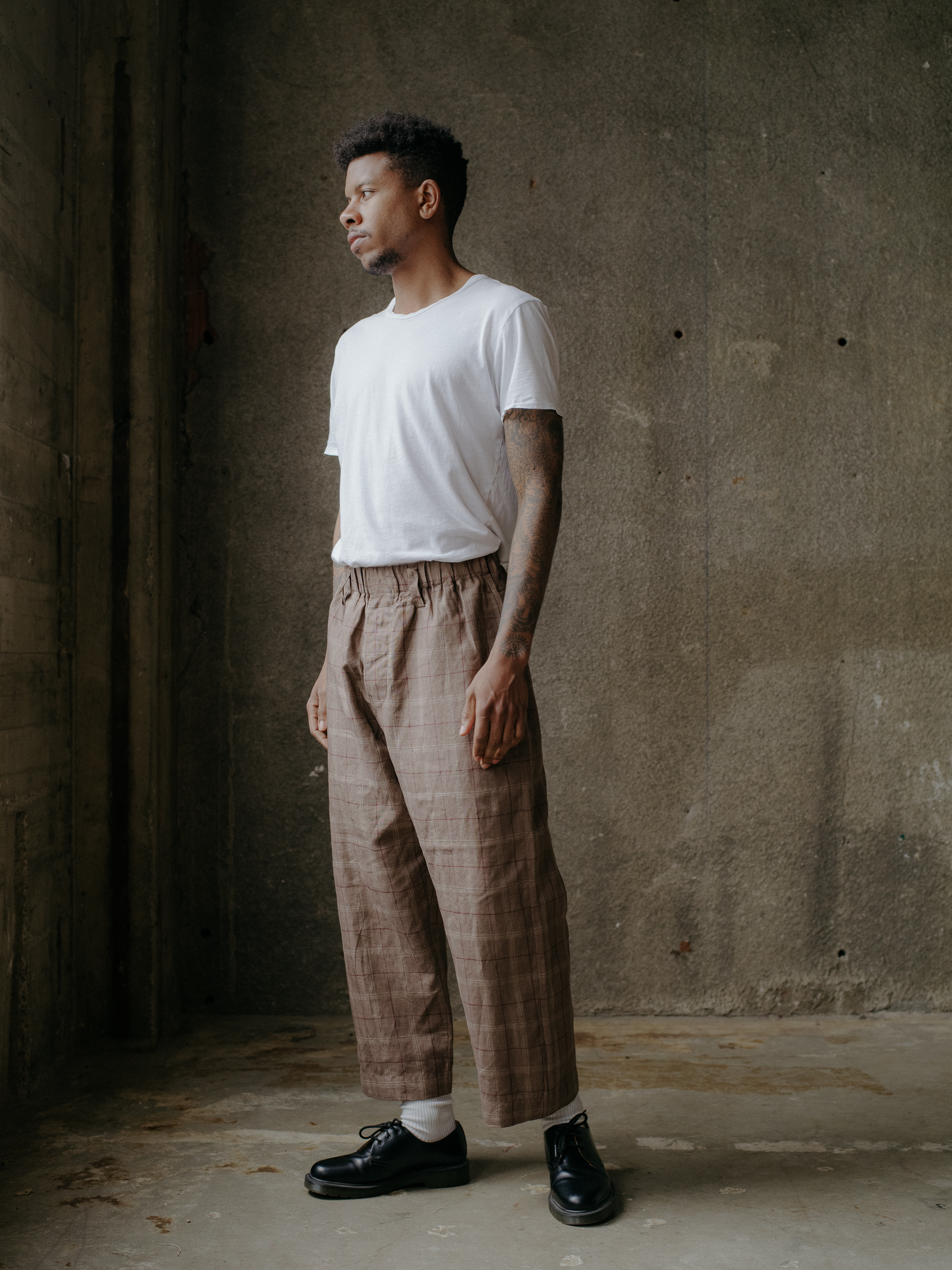 evan-kinori-elastic-pants-clay-linen-check-2