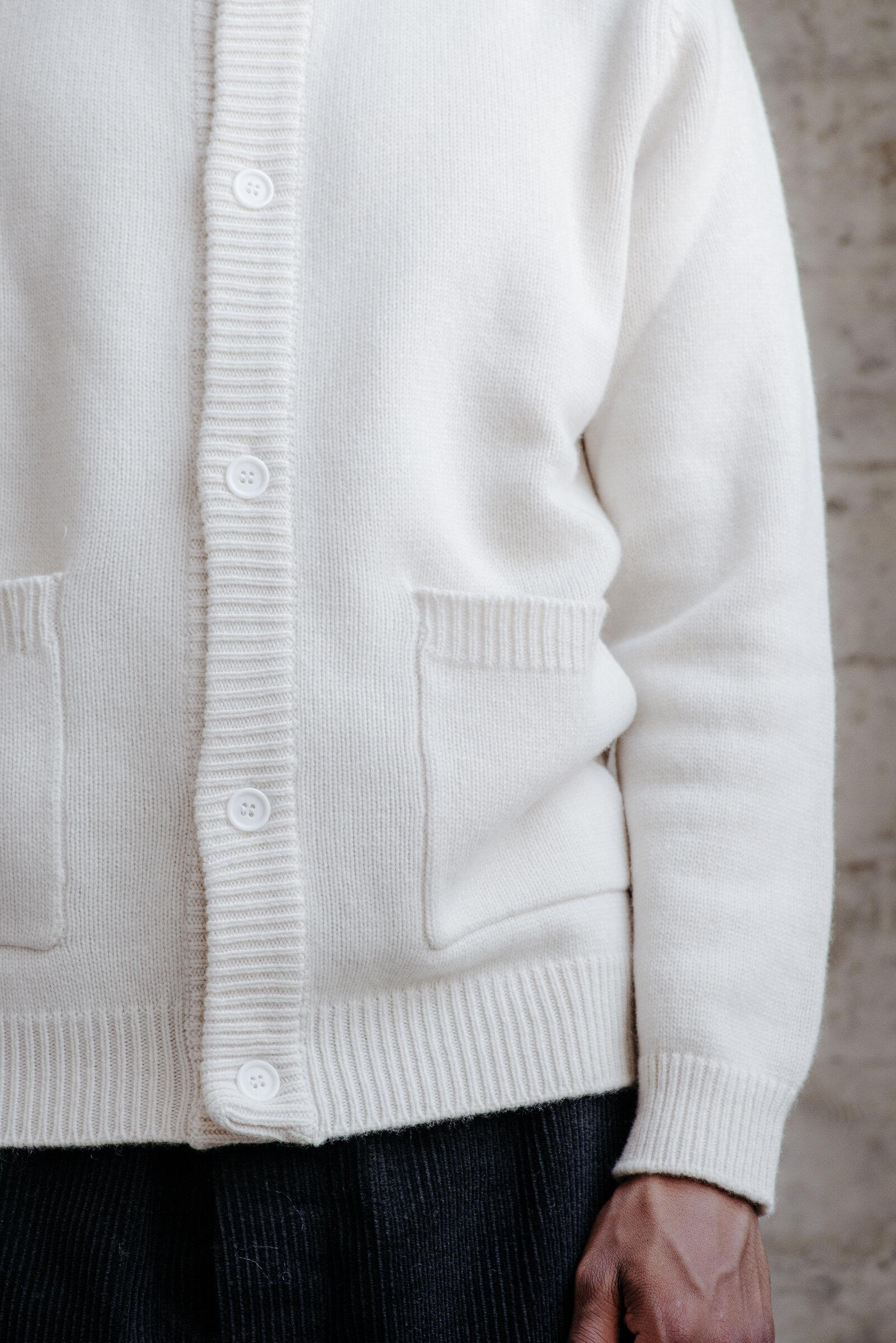 evan-kinori-crewneck-cardigan-cashmere-lambswool-made-in-italy-5