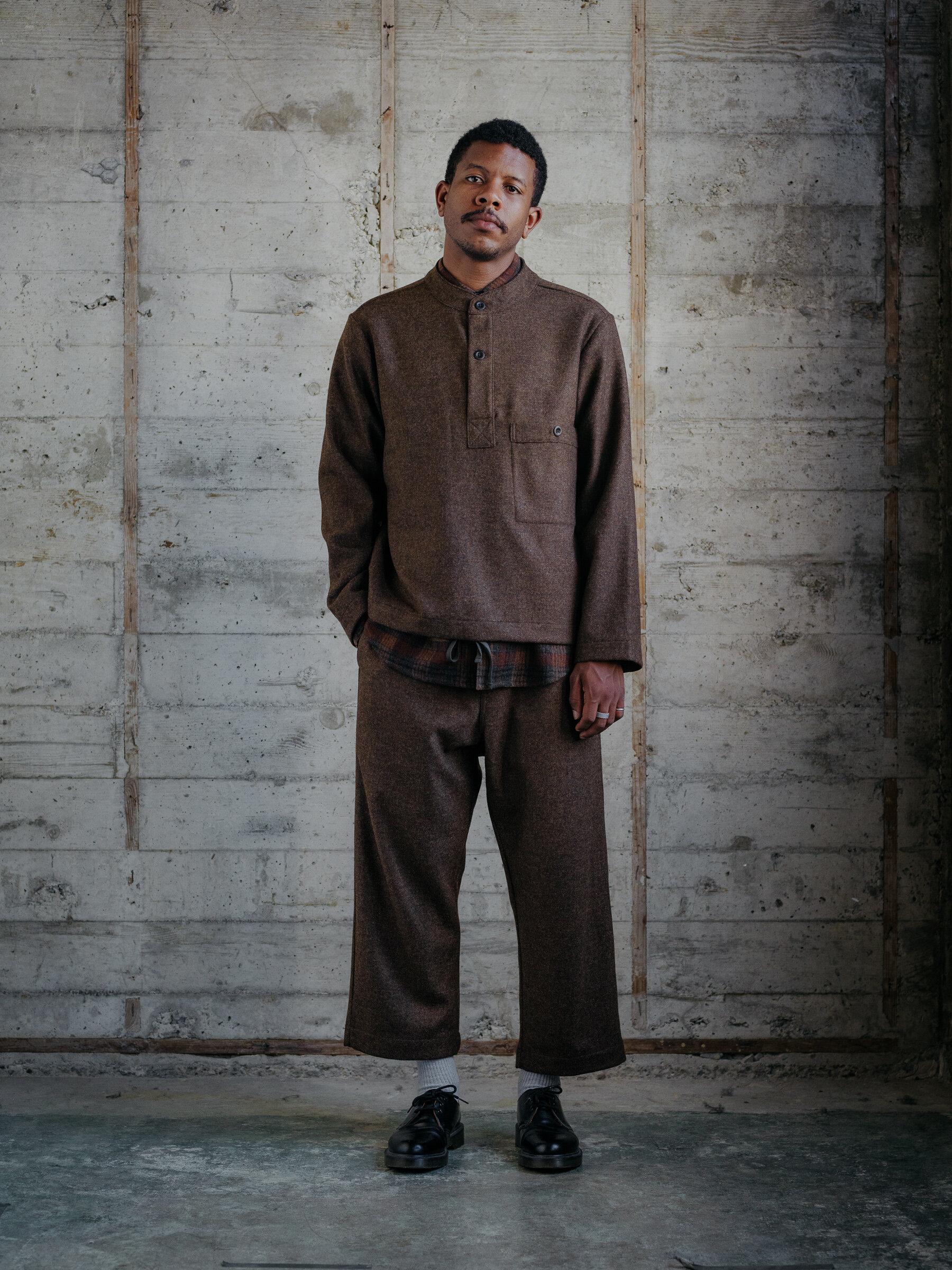 evan-kinori-pullover-rust-lambswool-wool-flannel-woven-in-england-9