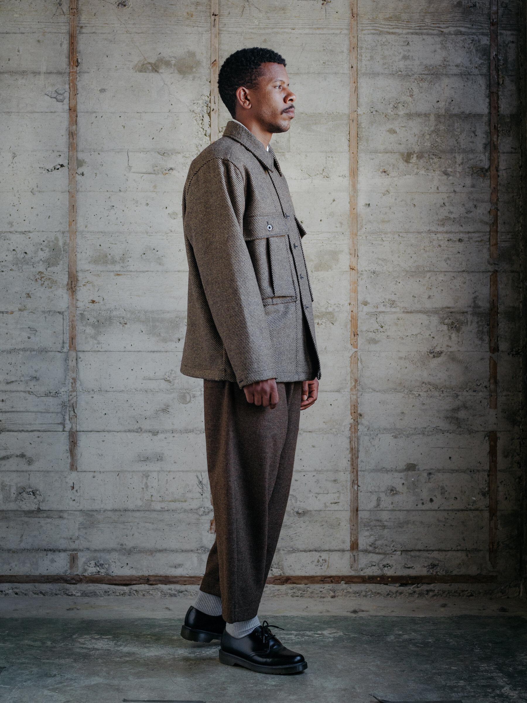 evan-kinori-bellow-pocket-jacket-lambswool-twill-woven-in-ireland-10
