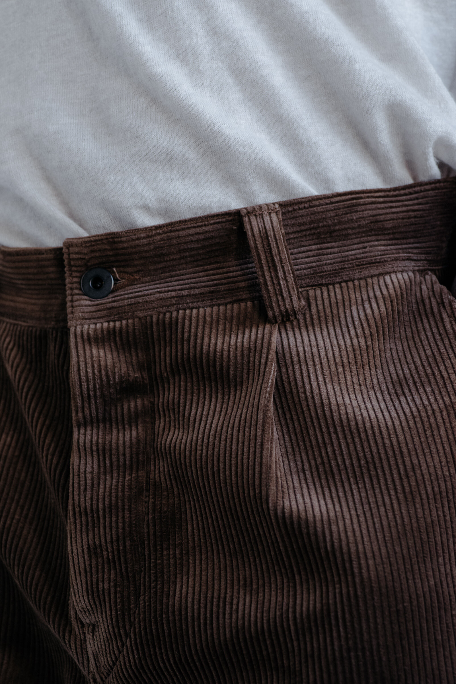 evan-kinori-single-pleat-pant-organic-cotton-corduroy-woven-in-germany-4