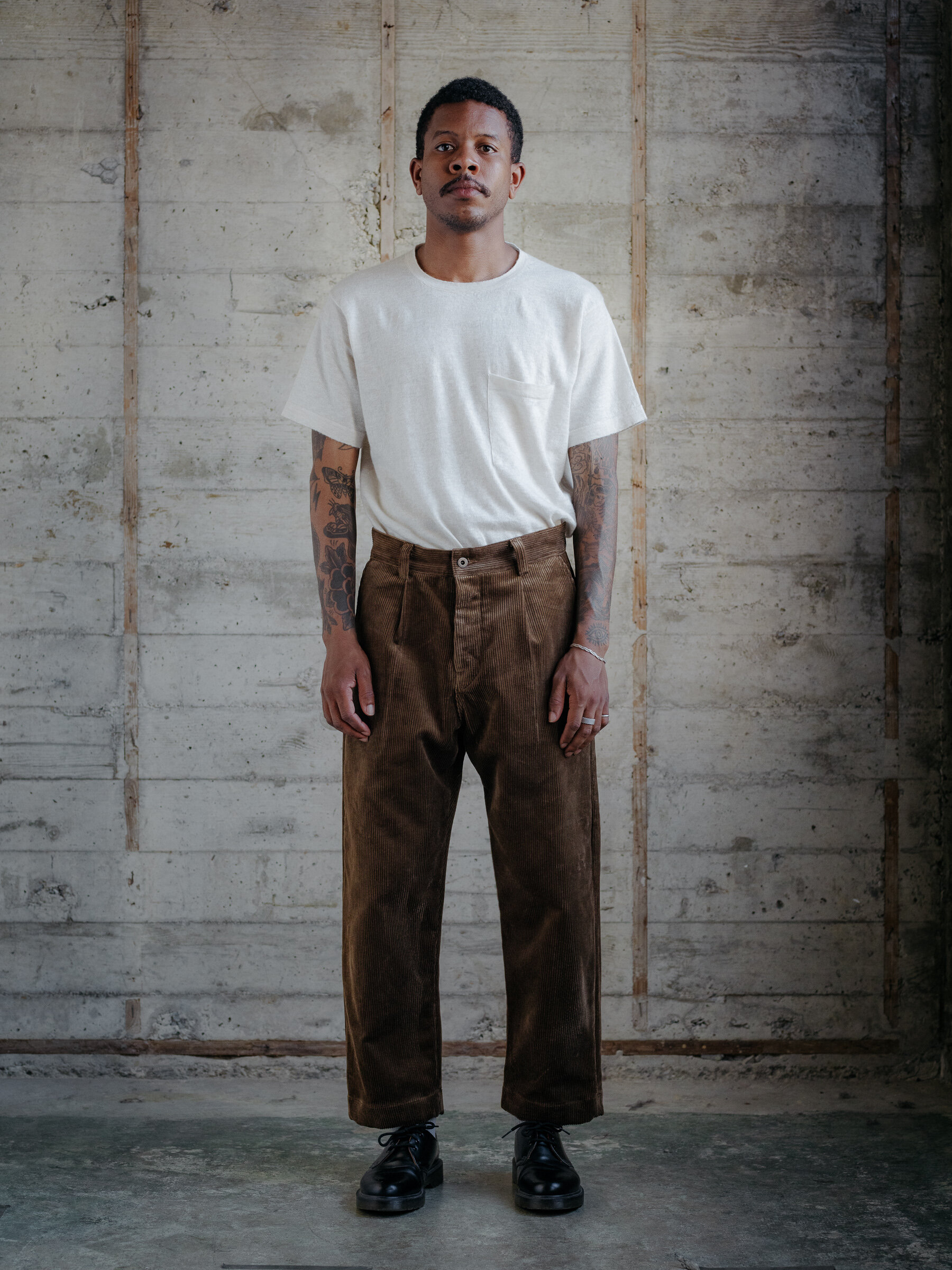 evan-kinori-single-pleat-pant-organic-cotton-corduroy-woven-in-germany-8