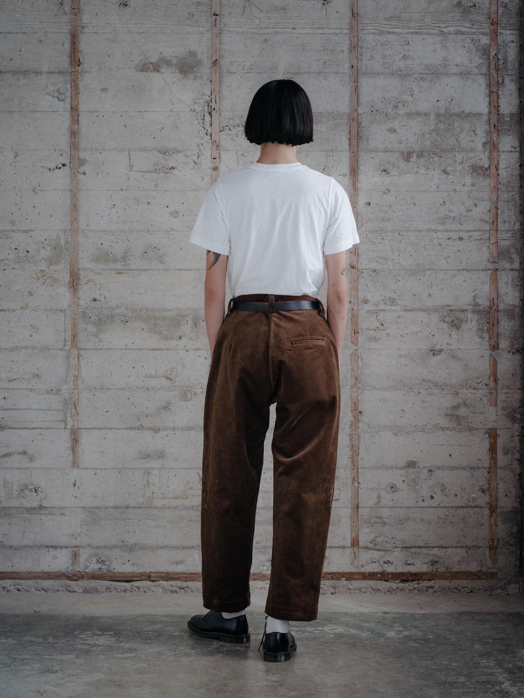 evan-kinori-single-pleat-pant-organic-cotton-corduroy-woven-in-germany-10