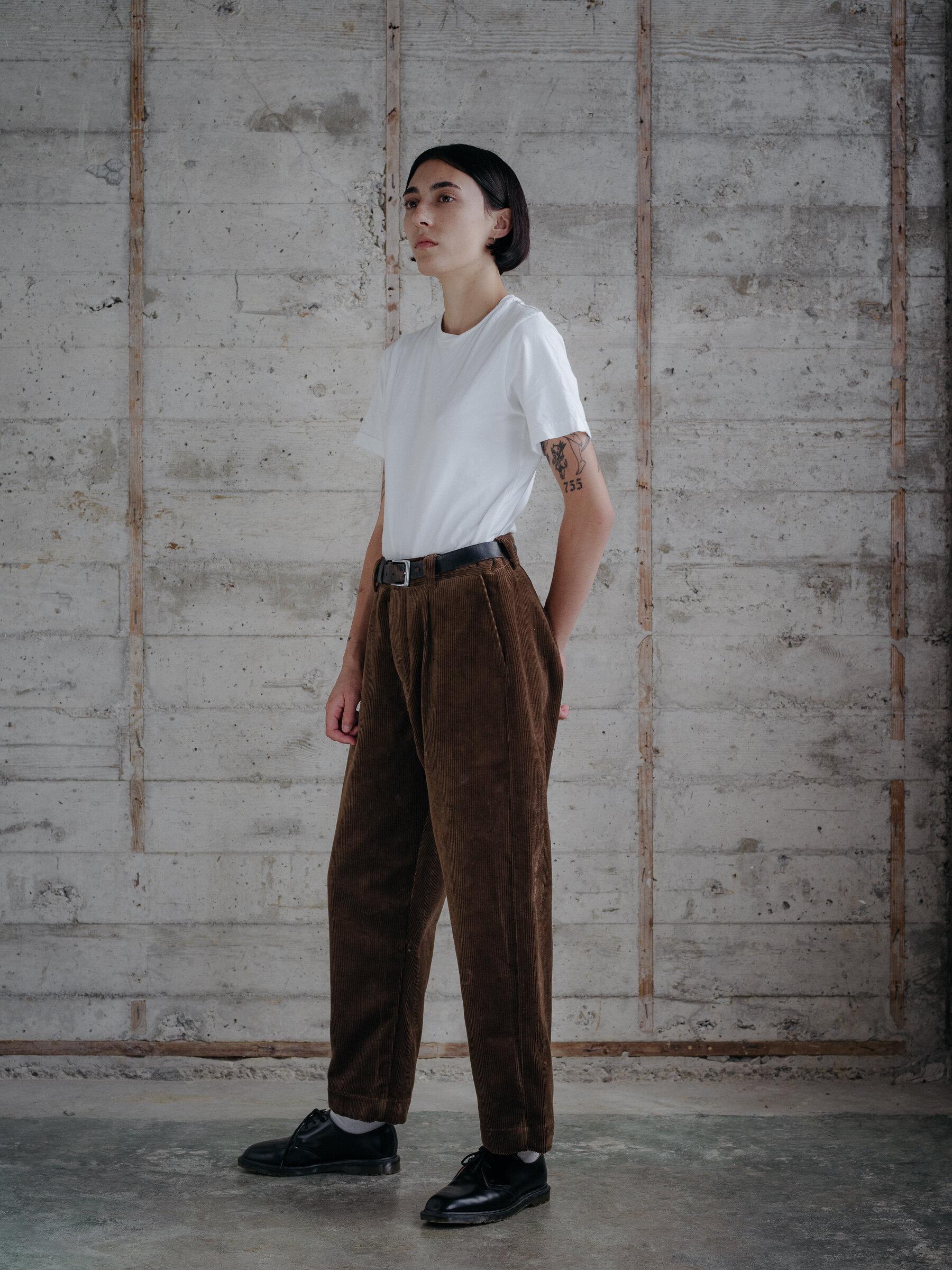 evan-kinori-single-pleat-pant-organic-cotton-corduroy-woven-in-germany-11