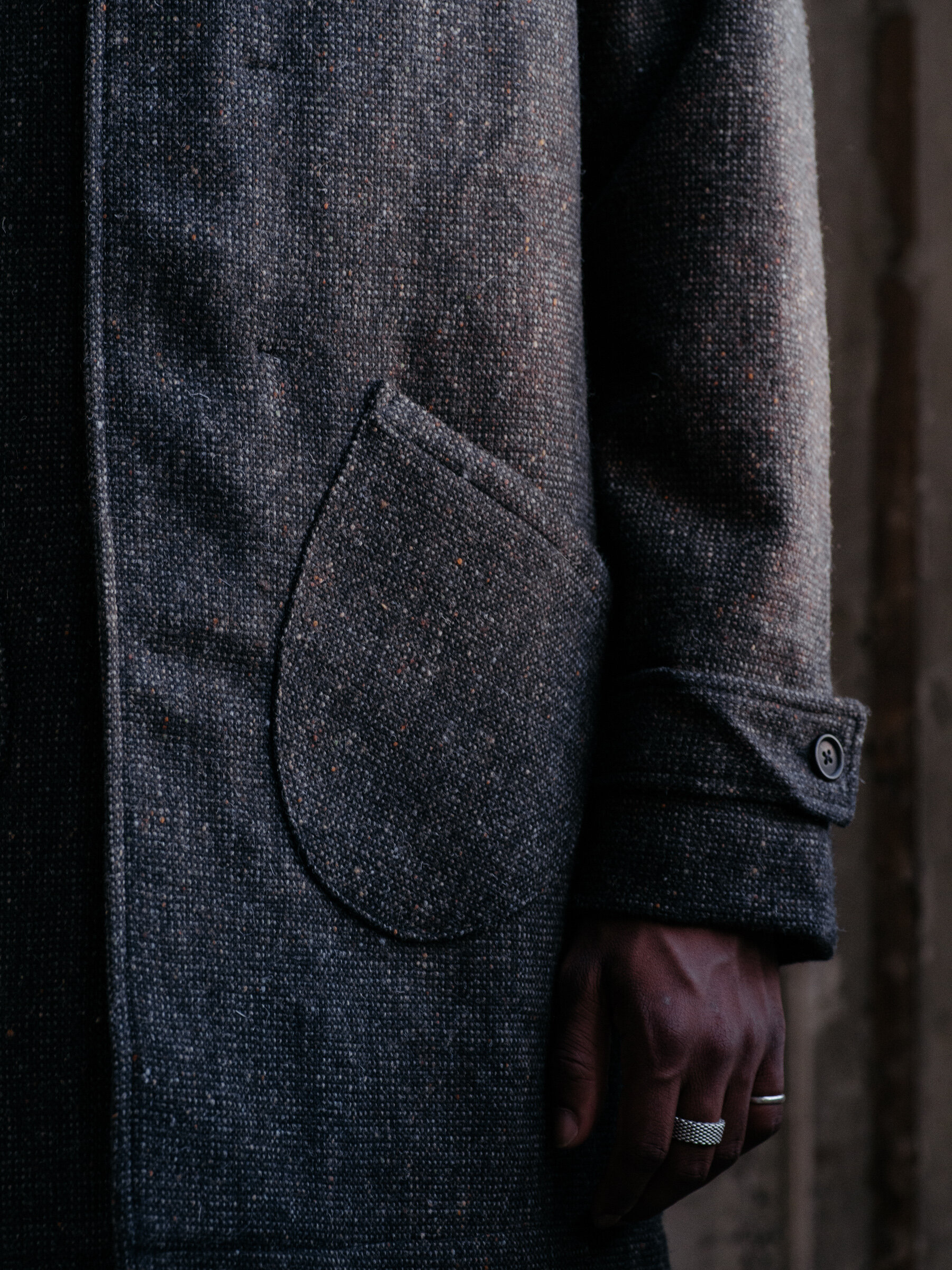 evan-kinori-covered-placket-coat-wool-tweed-woven-in-ireland-molloy-and-sons-11