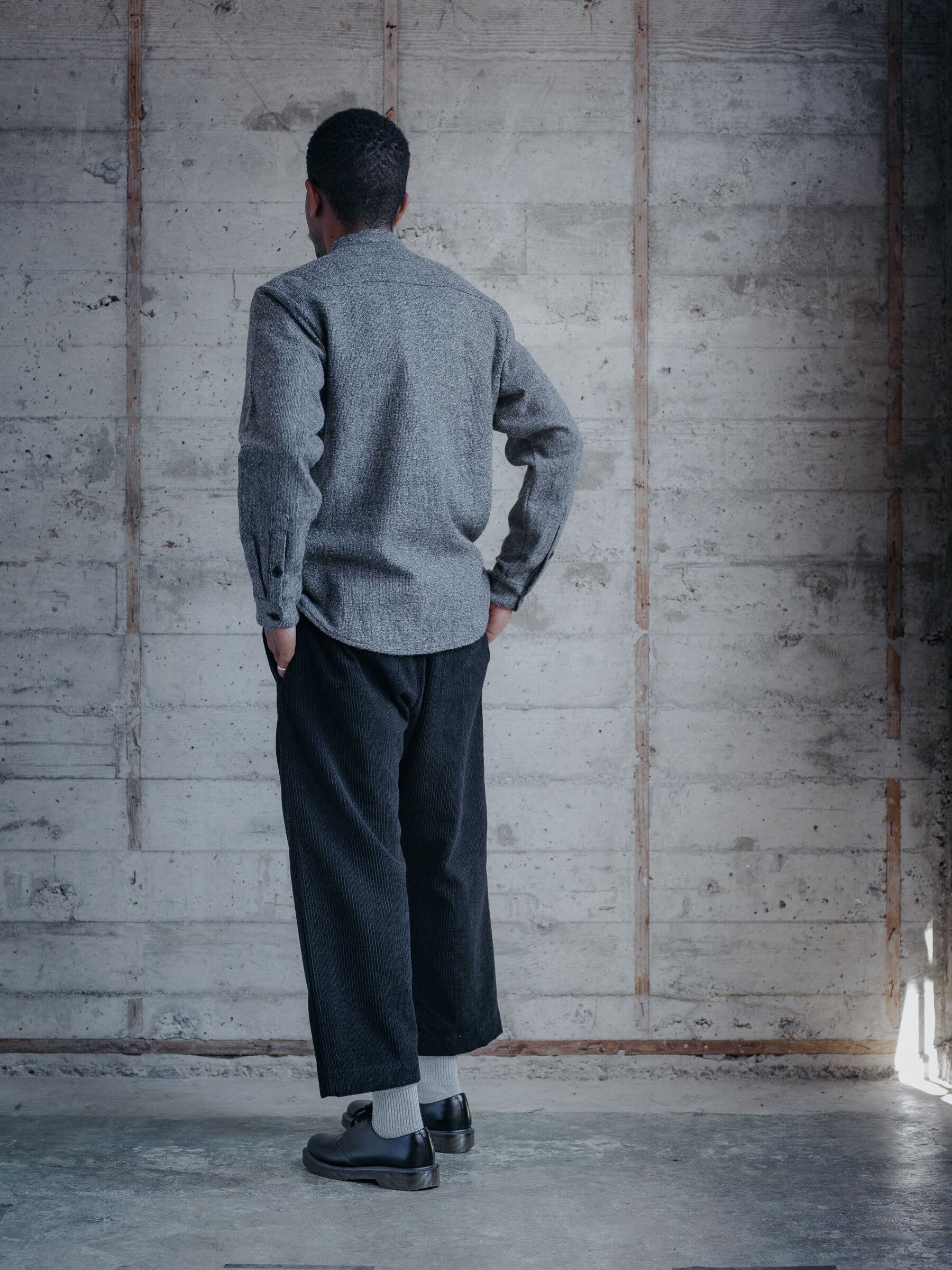 evan-kinori-band-collar-shirt-wool-gauze-woven-in-italy-3