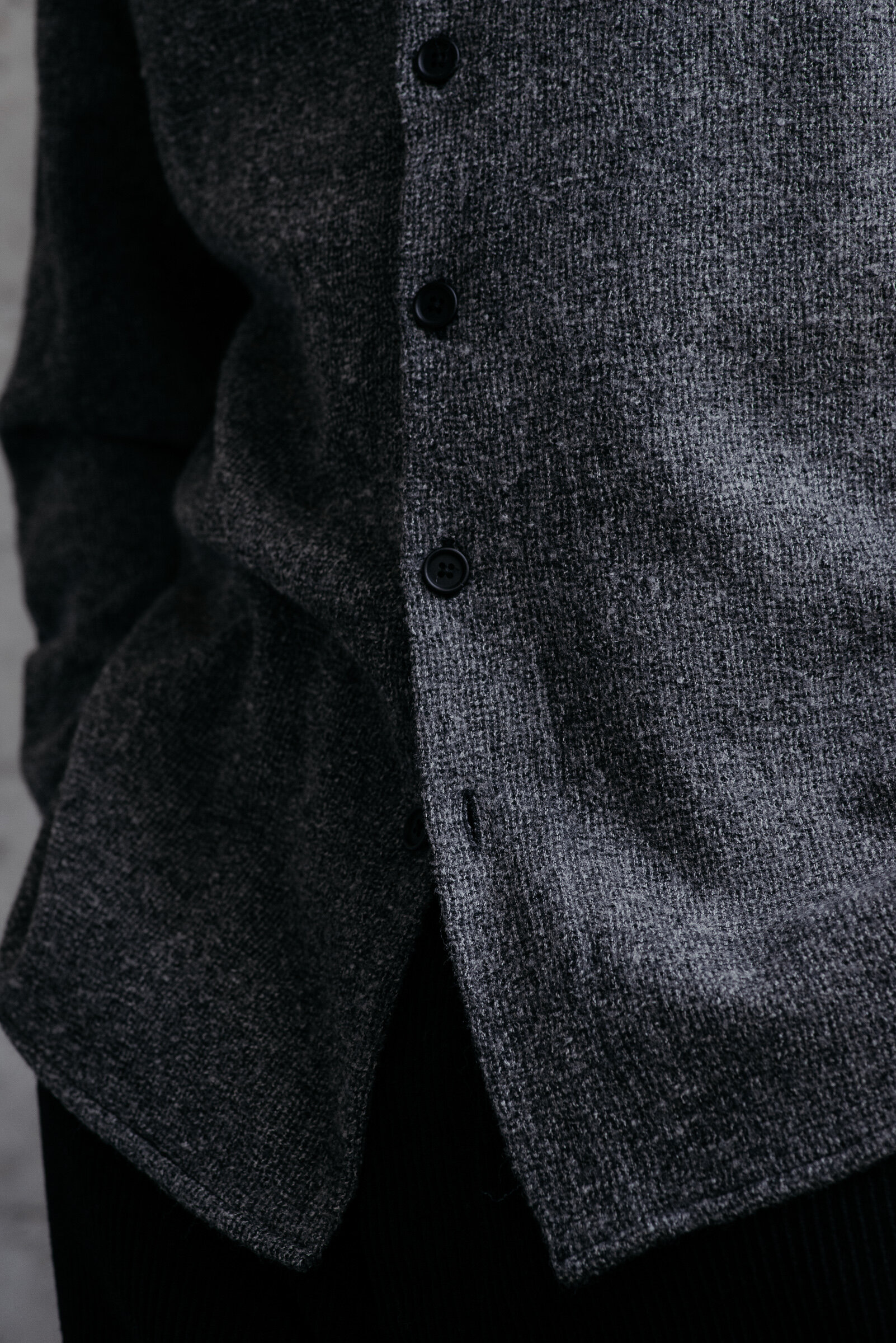 evan-kinori-band-collar-shirt-wool-gauze-woven-in-italy-5