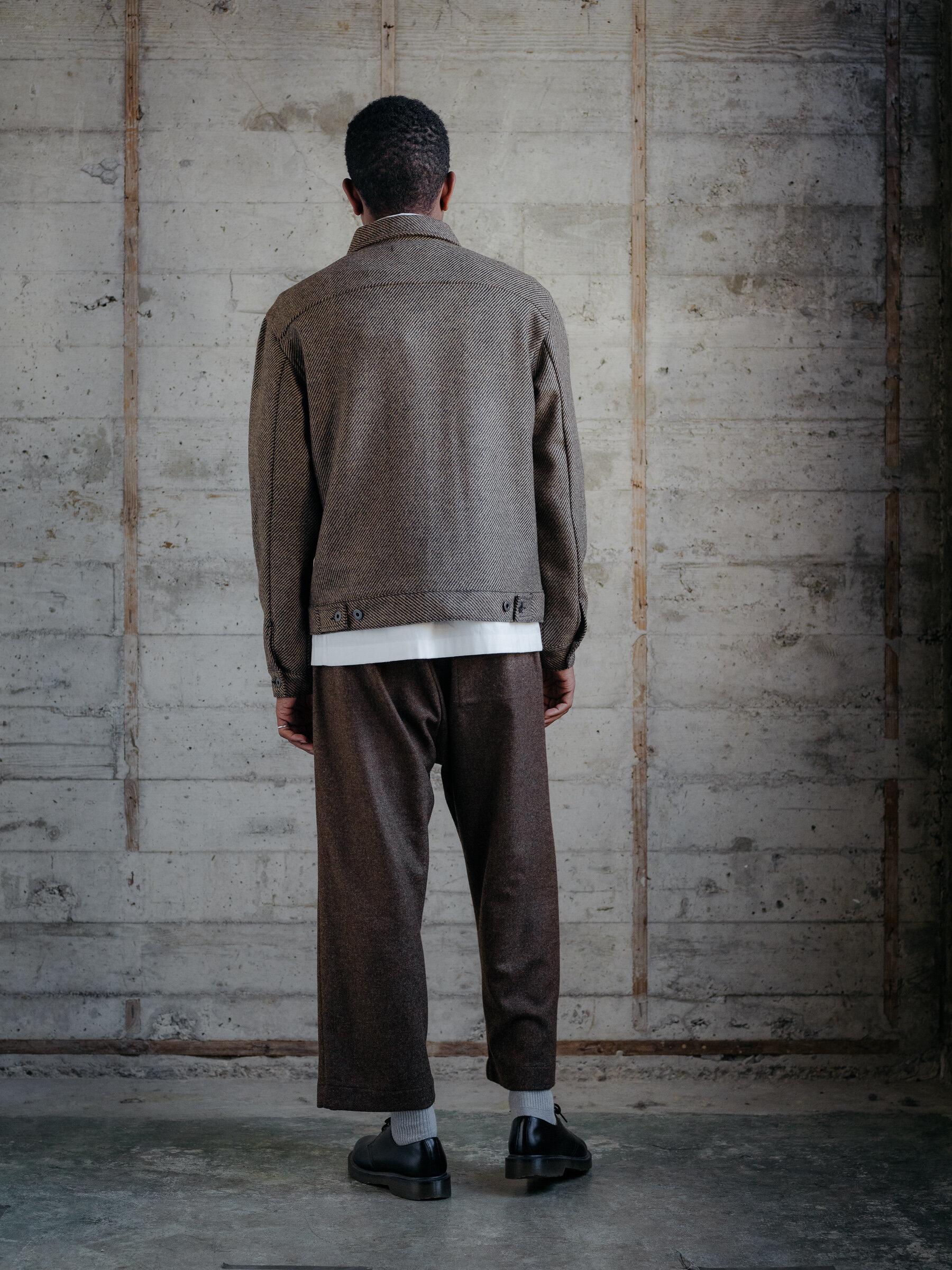 evan-kinori-pleated-jacket-lambswool-woven-in-ireland-3