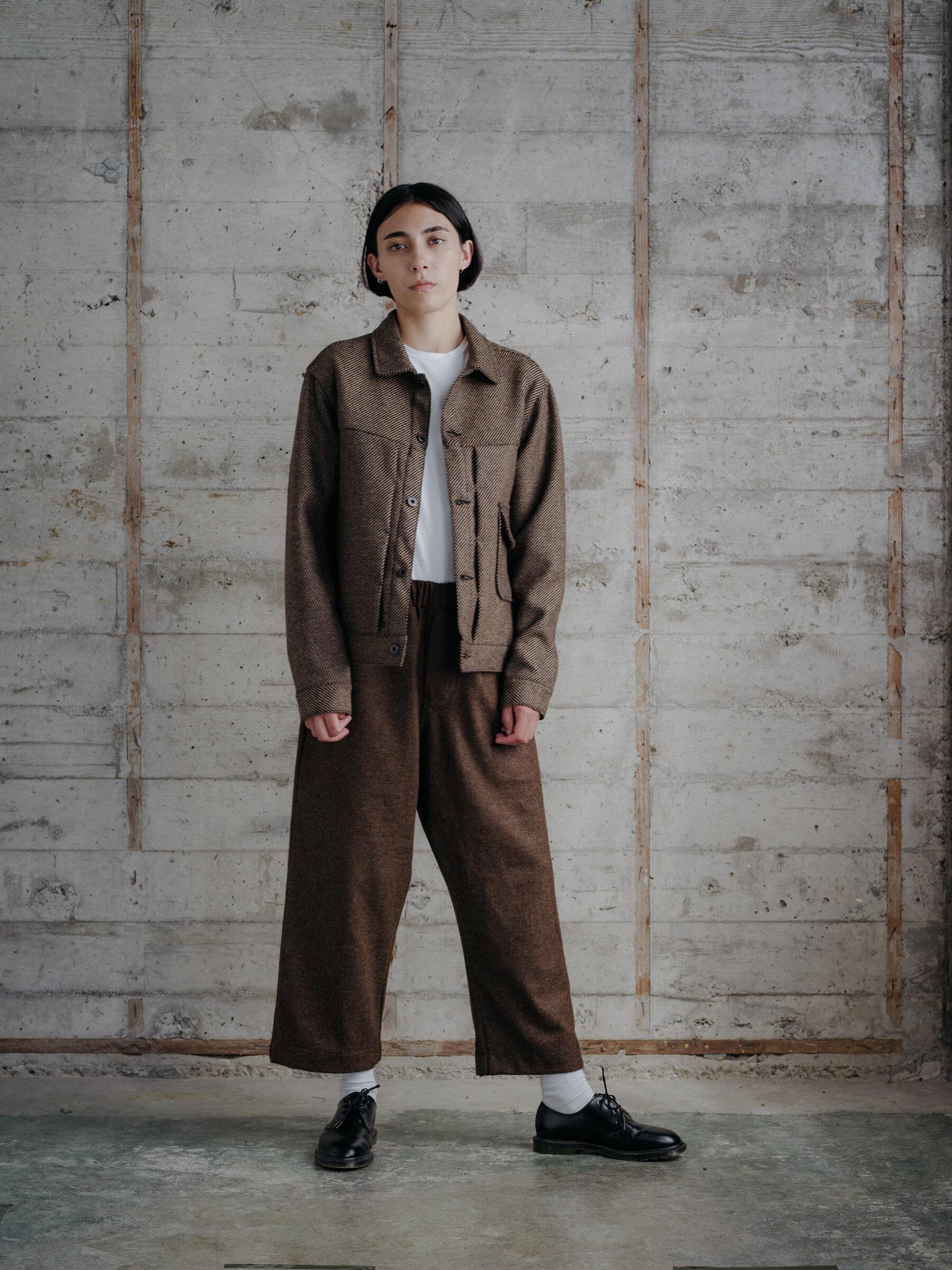 evan-kinori-pleated-jacket-lambswool-woven-in-ireland-9
