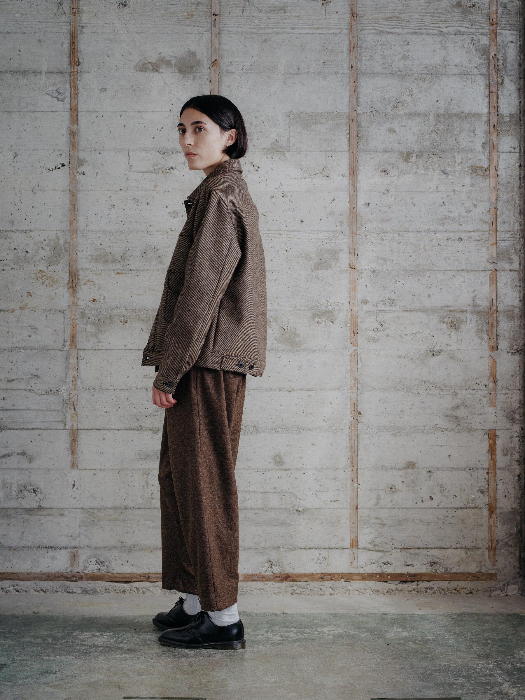evan-kinori-pleated-jacket-lambswool-woven-in-ireland-10