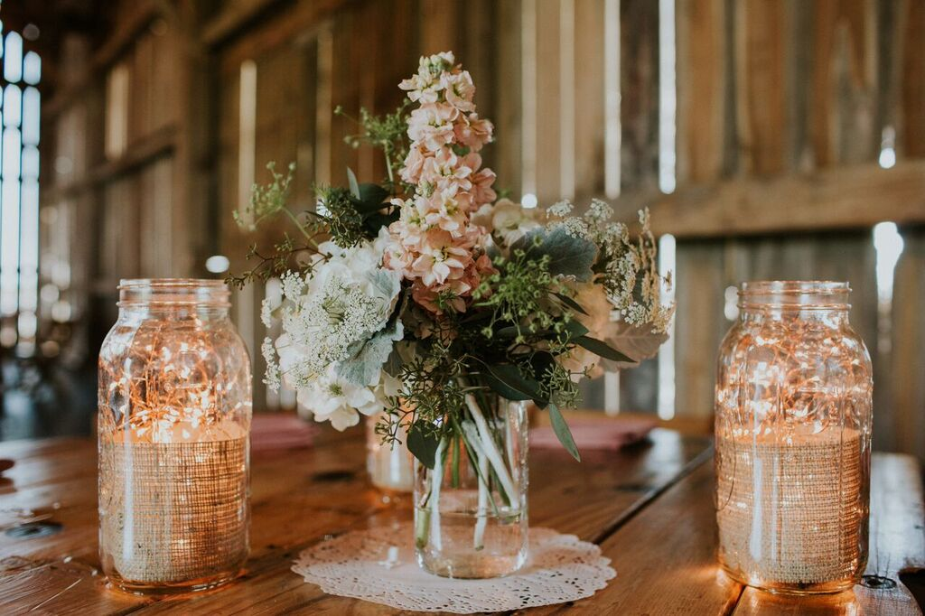 RUSTIC CHIC    Rustic can be refined and contemporary or relaxed and natural. Pick your favorite look here!