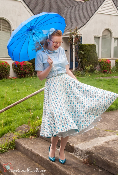 1950s novelty print quilted cotton circle skirt owned and worn by Janey Ellis of the  Atomic Redhead  blog