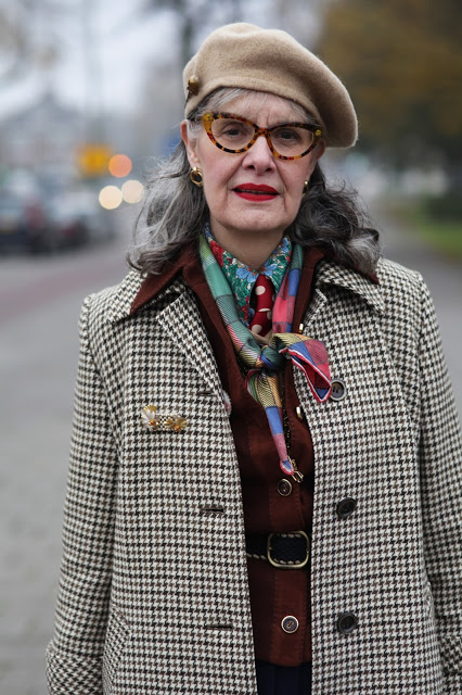 Just one of the many super stylish vintage-wearing women shown in the Advanced Style blog