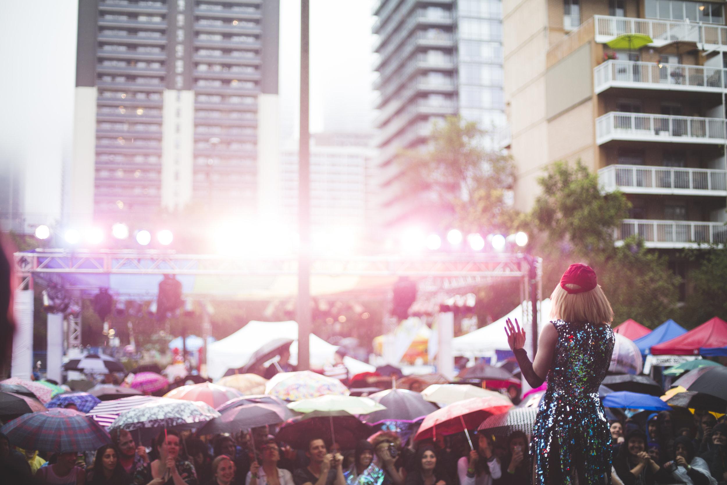 Pride_Toronto_2015_Drag_On_by_Indeana_Underhill-20.jpg