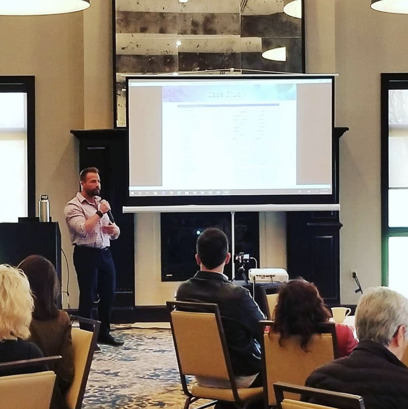 I had the privilege of lecturing to a group of various licensed practitioners on strategies for success with complex clinical cases at the Functional Medicine Meetup in Dallas Texas (Spring 2019)